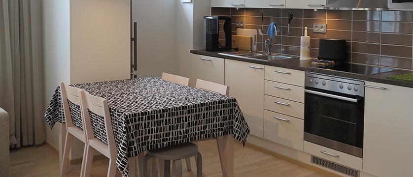 finland_lapland_saariselka_kelotahti_apartments_kitchen2.jpg
